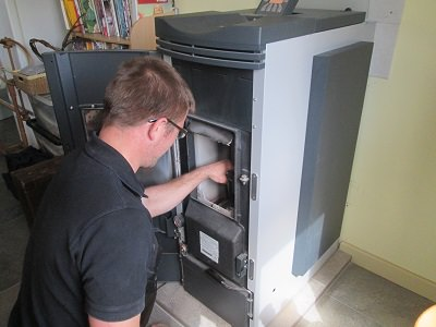 Pellet stove installer training programme is a roaring success 2