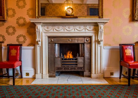 Using a Bio Ethanol Fire to Restore a Historical Fireplace
